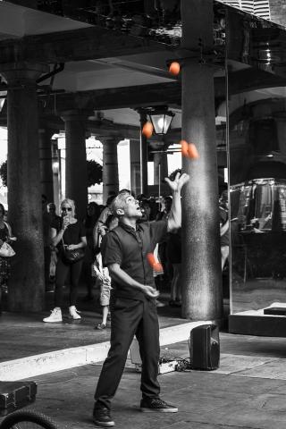 Photographe Evenementiel Reims, Reportage Photo Spectacle de rue, Shooting photo Artiste de rue, Photographie Jonglage