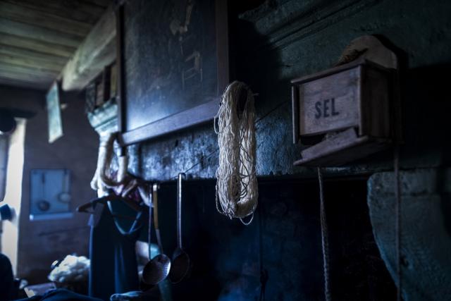Photographe Reportage Illustration Reims, shooting photo des vieux Métiers, Ancienne cuisine, Attelier de fabrication de ficelles