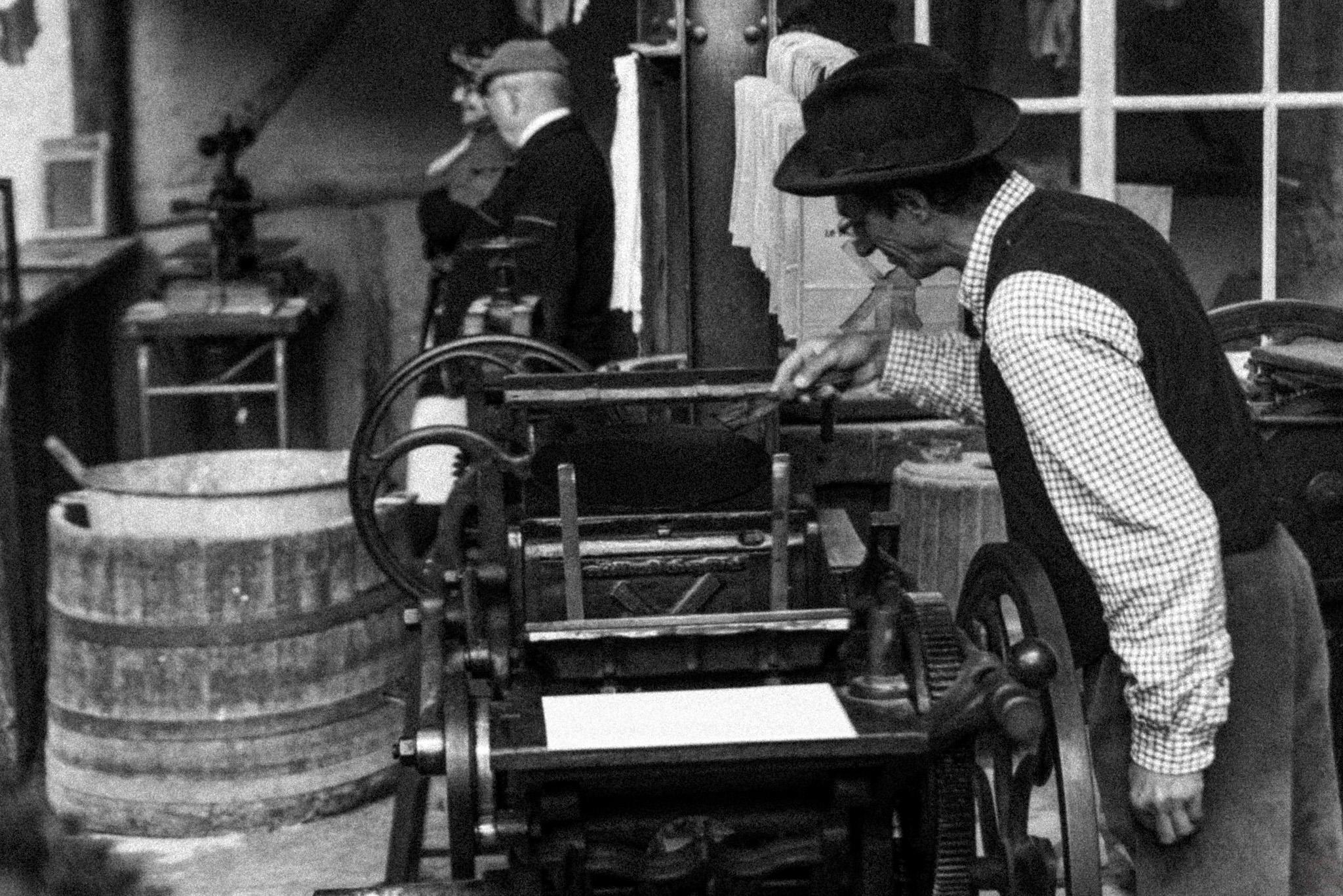 Photographe Reportage Illustration Reims, shooting photo des vieux Métiers, Vieux métiers d'imprimeur, artisanale et manuel